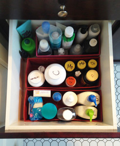 How to keep your bathroom drawers organized neatly